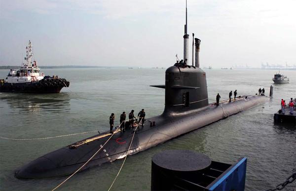 Επενδύσεις ύψους $ 8 δις για το πολεμικό ναυτικό της Ινδίας