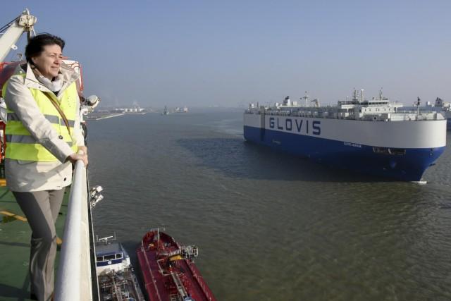 Η Επίτροπος Μεταφορών στην πρώτη της δημόσια εμφάνιση με την πλοιοκτησία της Ευρώπης