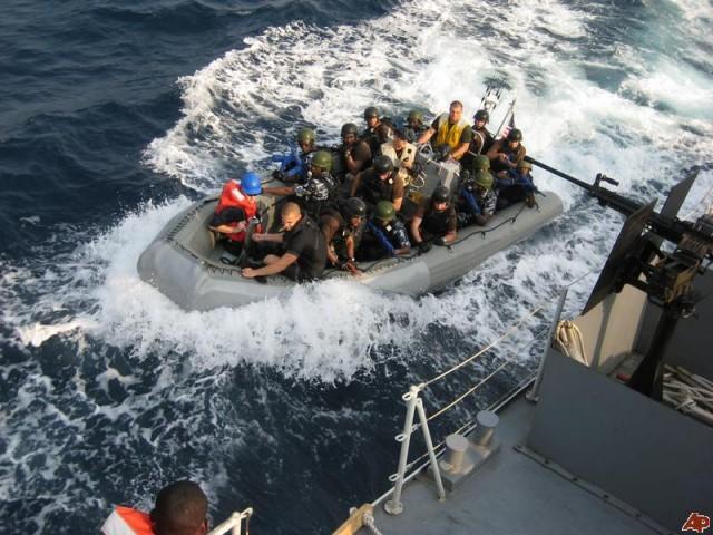 Απελευθερώθηκαν οι όμηροι ναυτικοί του KALAMOS