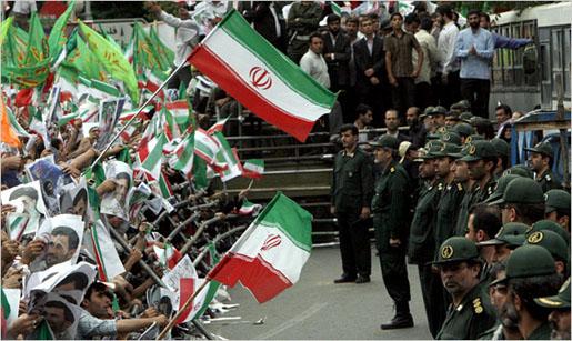 «Θερμές» στρατιωτικές ασκήσεις από το Ιράν στα Στενά του Ορμούζ