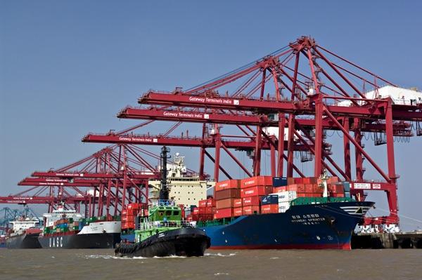 Υπό πίεση τα λιμάνια της Ινδίας
