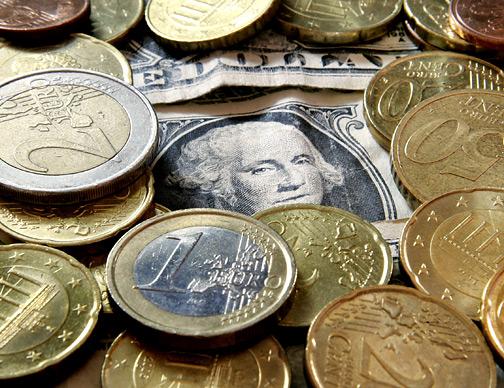 Ιστορικά χαμηλό ρεκόρ για το ευρώ