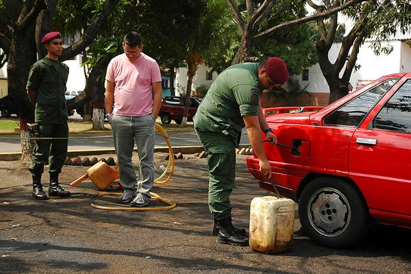 Το λαθρεμπόριο «πληγή» για τη Βενεζουέλα