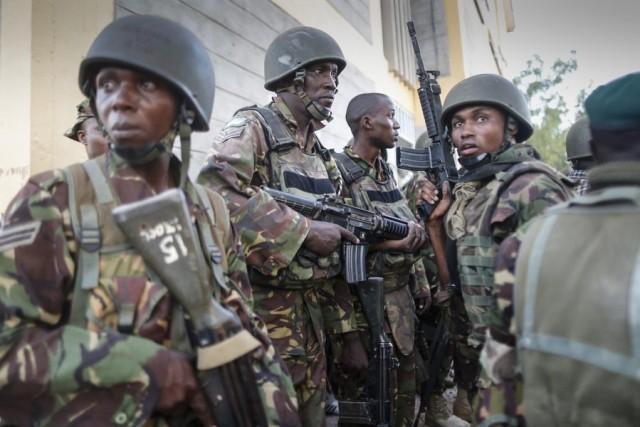 Η Κένυα βομβαρδίζει τους τρομοκράτες στη Σομαλία