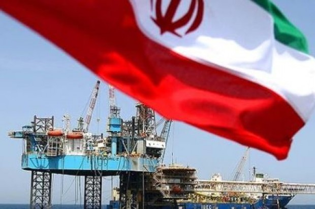 Διαπραγματεύσεις Ιράν-Κίνας με φόντο την ελεύθερη πτώση του πετρελαίου