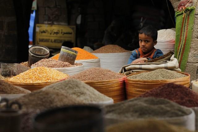 Ο εφιάλτης της επισιτιστικής κρίσης πλανάται πάνω από την Υεμένη