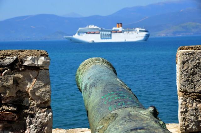 Στο Ναύπλιο το κρουαζιερόπλοιο COSTA ΝΕΟROMANTICA