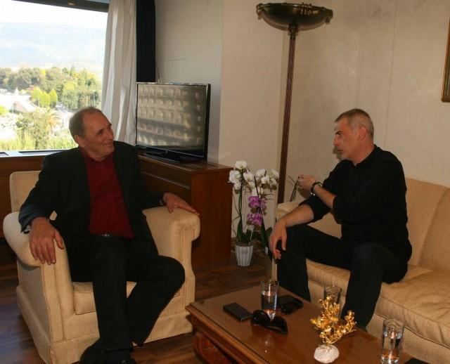 Ο υπουργός Οικονομίας υποστηρίζει την αναπτυξιακή πολιτική του δήμου Πειραιά
