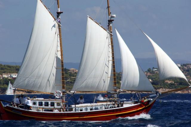 Το 3ο Ναυτικό Σαλόνι παραδοσιακών σκαφών στον Πειραιά