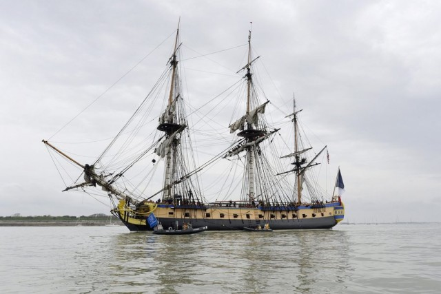 Frigate L'Hermione leaves for USA