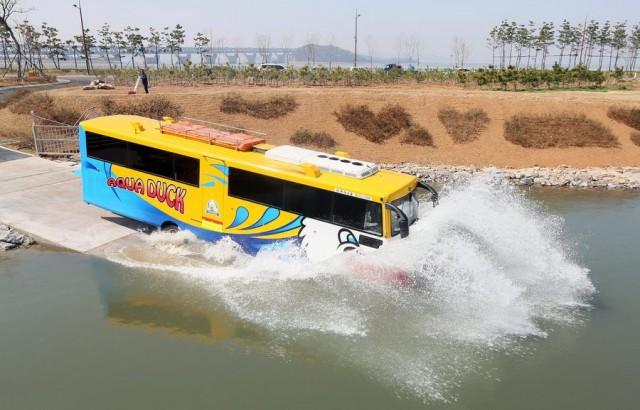 Ένα αμφίβιο… λεωφορείο !
