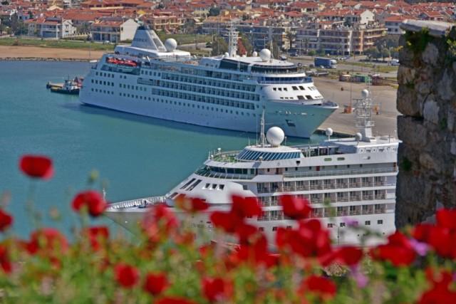 Στο Ναύπλιο τα κρουαζιερόπλοια Silver Cloud και Silver Wind