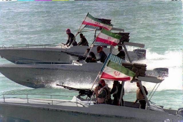Σε κίνδυνο η ελευθερία της ναυσιπλοΐας στα Στενά του Ορμούζ ;