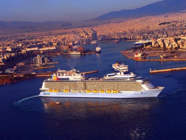 Quantum of the Seas: Το τρίτο μεγαλύτερο κρουαζιερόπλοιο στον κόσμο, πλέει στο λιμάνι του Πειραιά