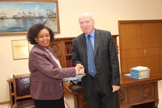 Ιδρυτικό μέλος του Ελληνο-Κενυάτικου Επιμελητηρίου ο ΟΛΠ