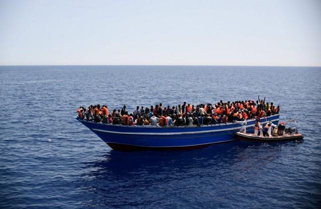 Η ναυτιλιακή κοινότητα κρούει τον κώδωνα του κινδύνου για τη μετανάστευση στη Μεσόγειο