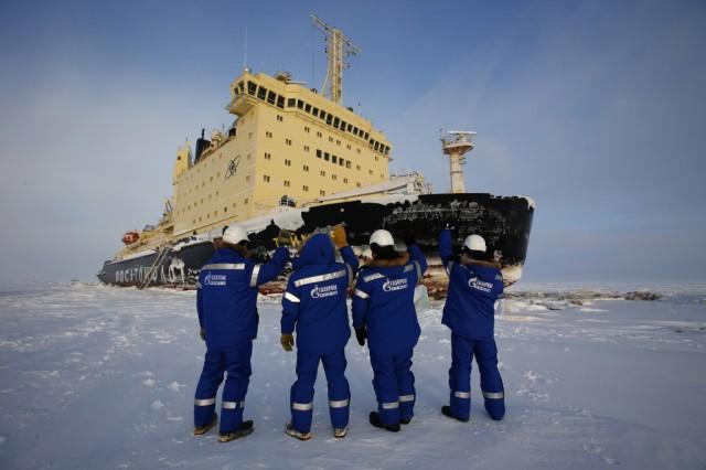 Υπό αντίξοες συνθήκες ολοκληρώθηκαν οι πρώτες μεταφορές πετρελαίου