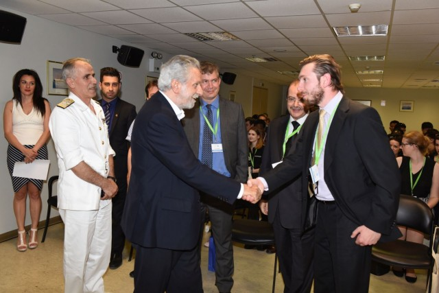 Επίσκεψη νέων διπλωματών στο αρχηγείο του Λιμενικού