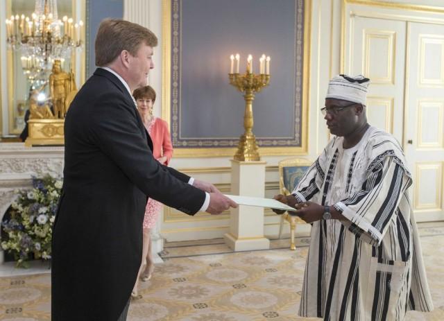 Σύσφιγξη των σχέσεων Ολλανδίας & Λιβερίας