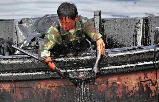 Ειδική επιτροπή για την αποζημίωση θυμάτων πετρελαιοκηλίδων θέσπισε η Κίνα
