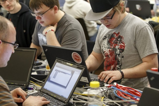 Ναυτιλιακές εταιρείες: προσοχή στις διαδικτυακές υποκλοπές