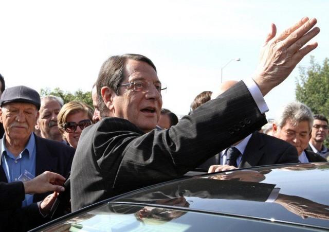 Η νέα φορολογική πολιτική της Κύπρου: Πρόσκληση προς Λονδίνο και Πειραιά!