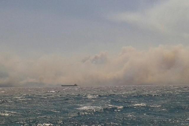 Επικίνδυνες διαστάσεις έχει πάρει η φωτιά στη Νεάπολη Βοιών