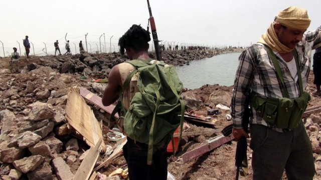 Συμφόρηση στα ύδατα της Υεμένης, αδιατάρακτοι οι διεθνείς πλόες παρά τον όλεθρο