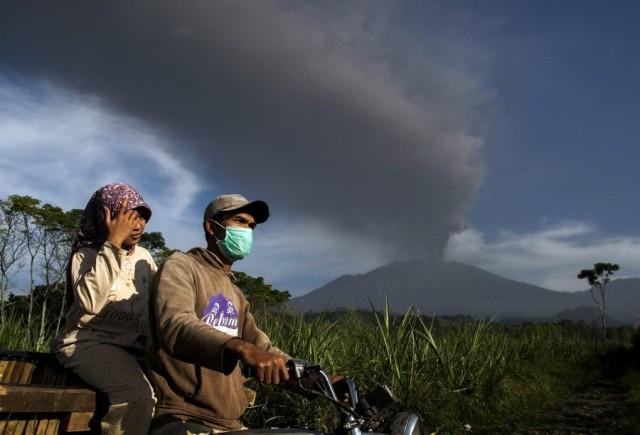 Νέα έκρηξη του ηφαιστείου Ραούνγκ