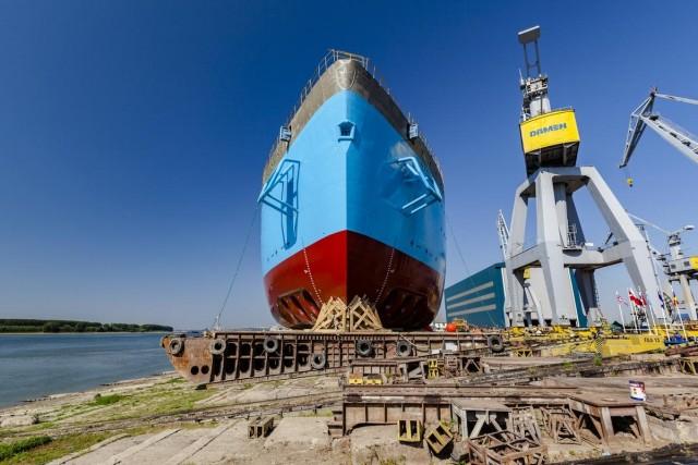 Στο νερό το δεύτερο Damen Offshore Carrier 8500