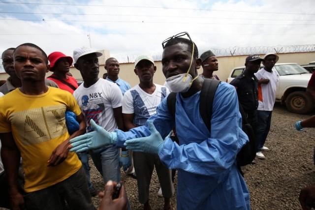 Εbola: ασφαλείς (και μη) χώρες για ταξίδια και πλόες