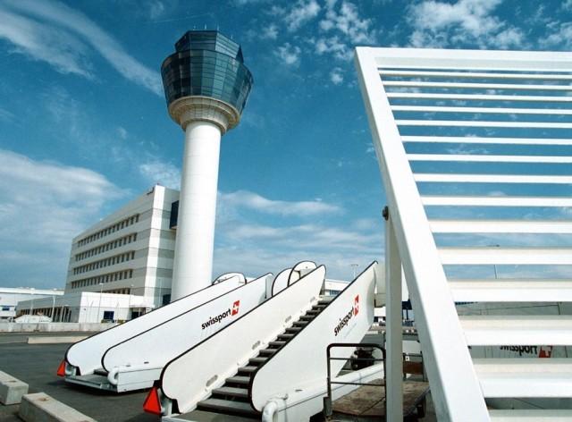 Σε απεργιακές κινητοποιήσεις προχωρούν οι Ελεγκτές Εναέριας Κυκλοφορίας. Ποιες πτήσεις ματαιώνει η Aegean