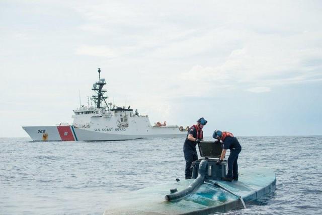 Επιχείρηση της Αμερικανικής Ακτοφυλακής ανακαλύπτει ημιυποβρύχιο με 8 τόνους ναρκωτικών