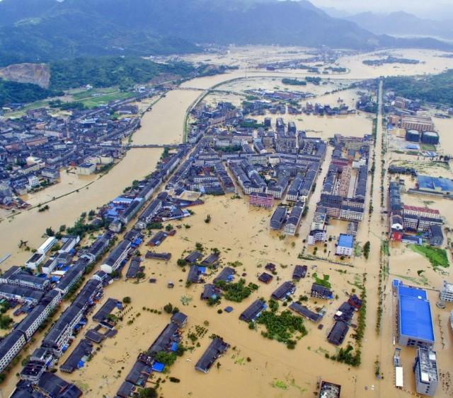 Εξασθενεί ο 'θανατηφόρος' τυφώνας της Άπω Ανατολής