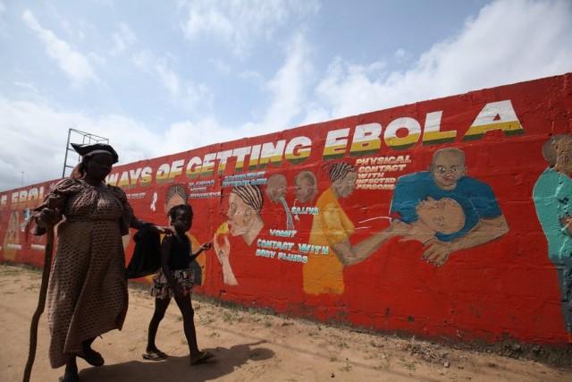 Άρση της απαγόρευσης δημοσίων συγκεντρώσεων στη Σιέρα Λεόνε, ενώ ο 'Εμπολα καραδοκεί