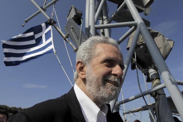 Ψίθυροι (και πικρίες) για το σιωπηλό υπουργό ναυτιλίας