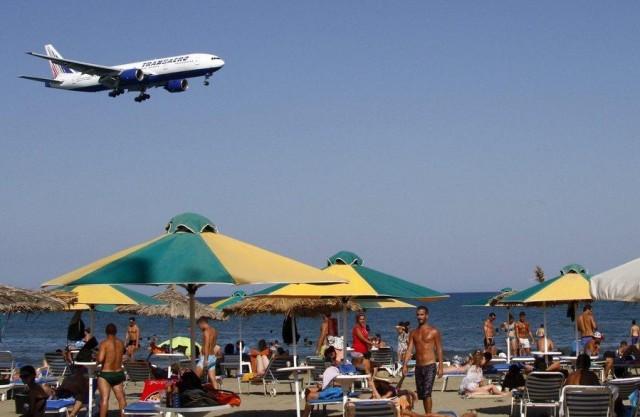 Σε ελεύθερη πτώση οι ρωσικοί αερομεταφορείς
