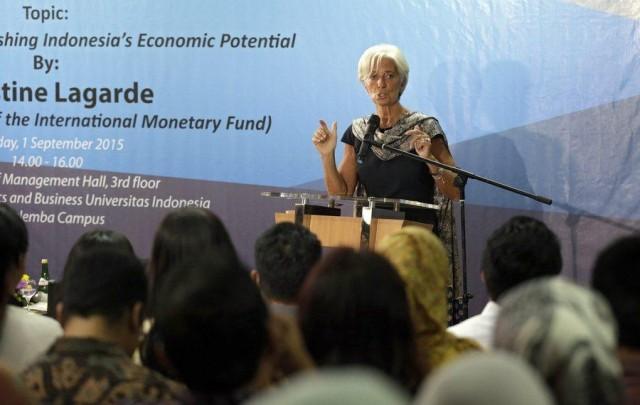 Αναμένονται αναταράξεις  διεθνώς, προειδοποιεί η Lagarde τους επιχειρηματίες