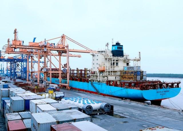 Η Maersk τροφοδοτεί την ανάπτυξή με εξαγορές τερματικών σταθμών