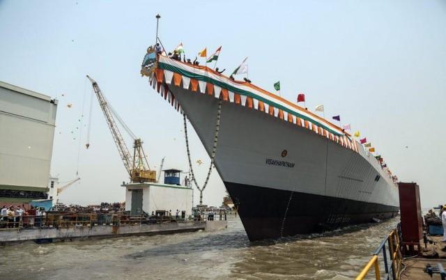 Η Ινδία ανοίγει τις εσωτερικές πύλες της σε πλοία ειδικών κατηγοριών
