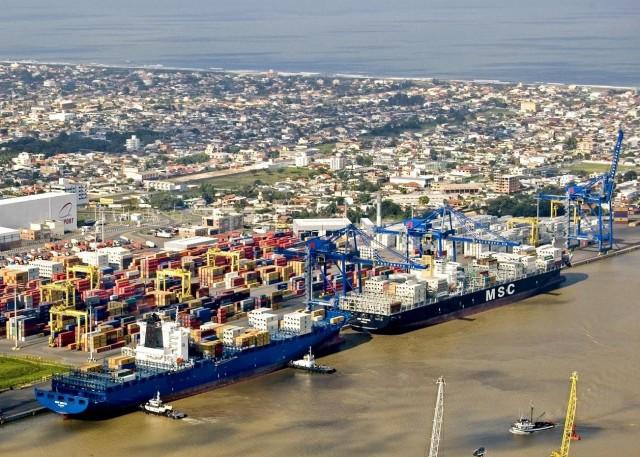 Xάος στα λιμάνια της Βραζιλίας