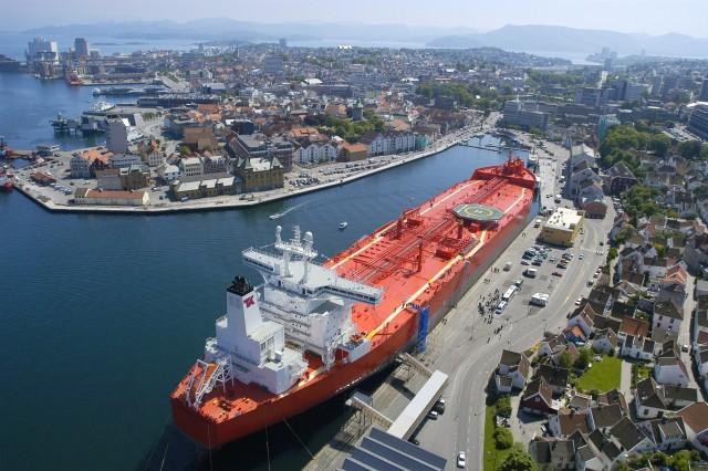 H ναυτιλία στοχεύει σε μείωση κατά 50% των εκπομπών διοξειδίου του άνθρακα μέχρι το 2050
