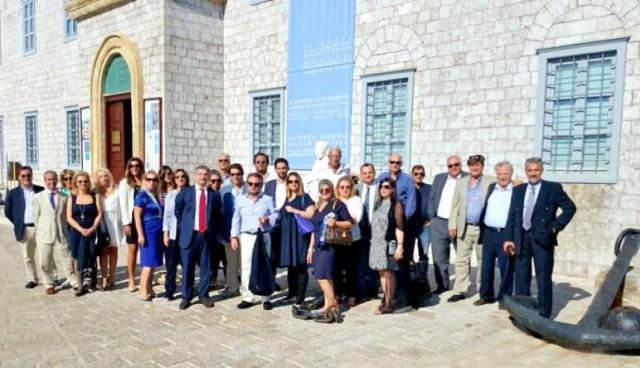 """6ο Ναυτιλιακό Συνέδριο με θέμα """"Πειραιάς και Ελληνική Κρίση"""""""