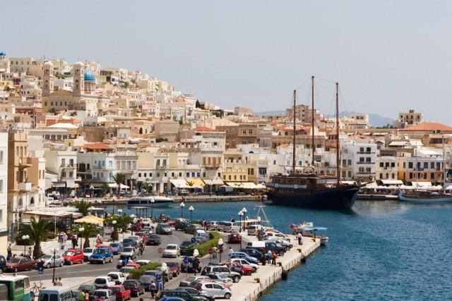 Οι κάτοικοι της Σύρου ζητούν την περαιτέρω ανάπτυξη της κρουαζιέρας