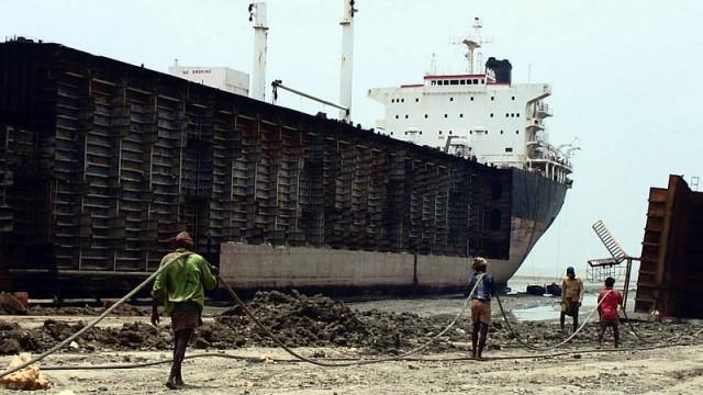 Οι τιμές του εισαγόμενου σιδήρου από την Κίνα οδηγούν σε πτώση τις διαλύσεις πλοίων