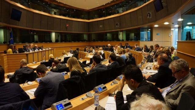 O Ευρωβουλευτής Μίλτος Κύρκος μιλά στο EK για τη μείωση της ρύπανσης από το θείο στα καύσιμα του πλοίου