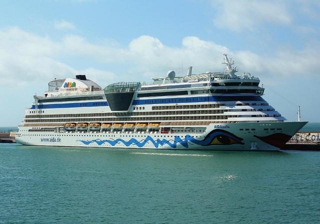 Πλημμύρισε τουρίστες το λιμάνι του Ηρακλείου