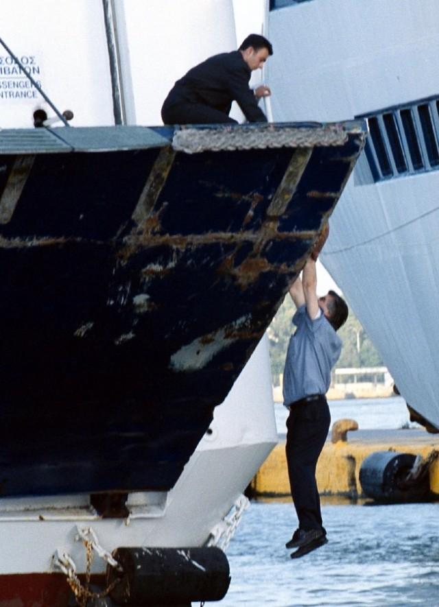 Ο ΥΝΑ καλεί τους απεργούς ναυτικούς να λάβουν υπόψη τα προβλήματα που έχουν δημιουργηθεί στα νησιά με τη μεταφορά των προσφύγων