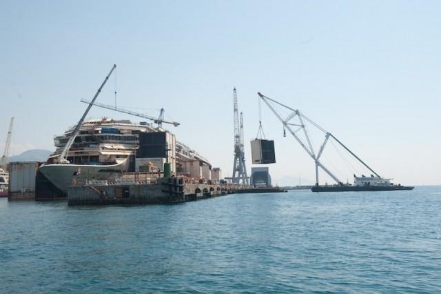 Η «απογύμνωση» του Costa Concordia