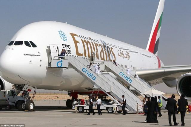 H Emirates παρουσίασε το μεγαλύτερο και πολυτελέστερο αεροπλάνο της